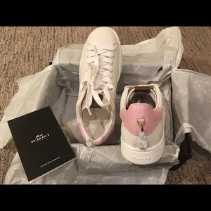 Coach leather sneakers in white